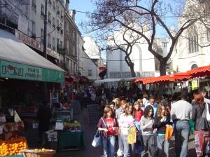 Street_market_rue_Mouffetard_St_Medard_dsc00727